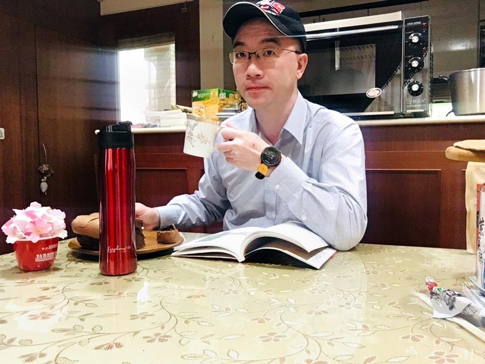 保溫壺推薦-M61雙層隔離式咖啡泡茶保溫壺一瓶搞定懶人必備渣水分離泡茶、泡咖啡適合旅行%2F露營%2F辦公%2F上學%2F運動