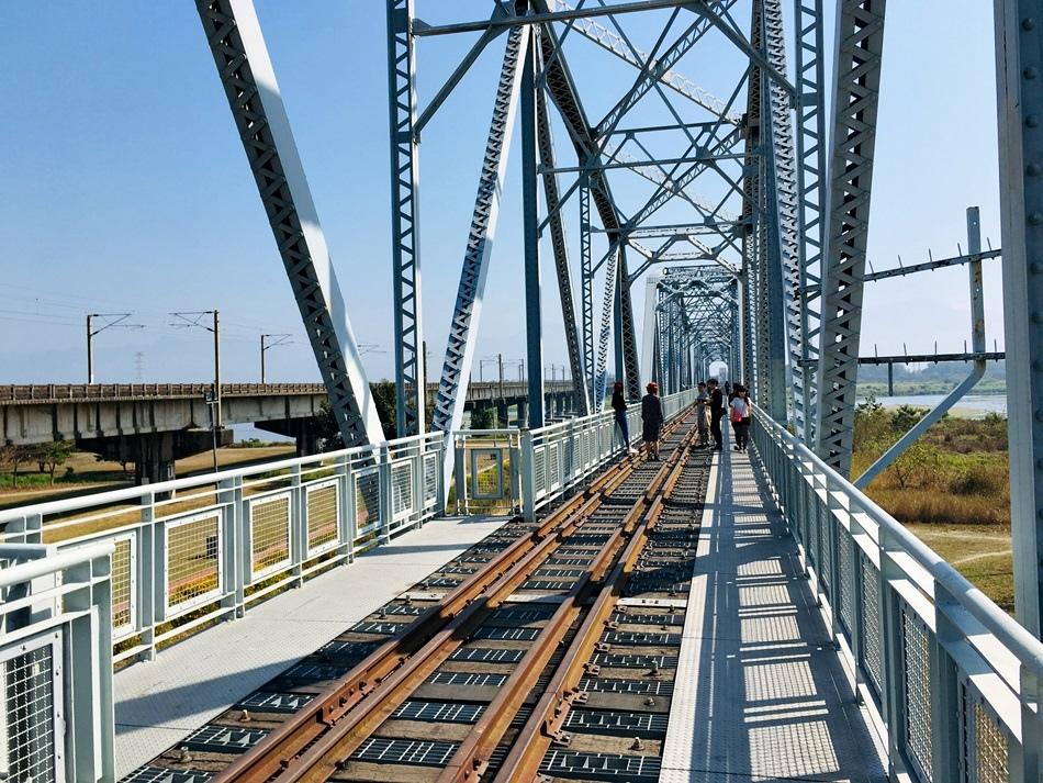 高雄景點-大樹舊鐵橋免門票天空步道漫步百年鐵道24小時開放舊鐵橋濕地公園
