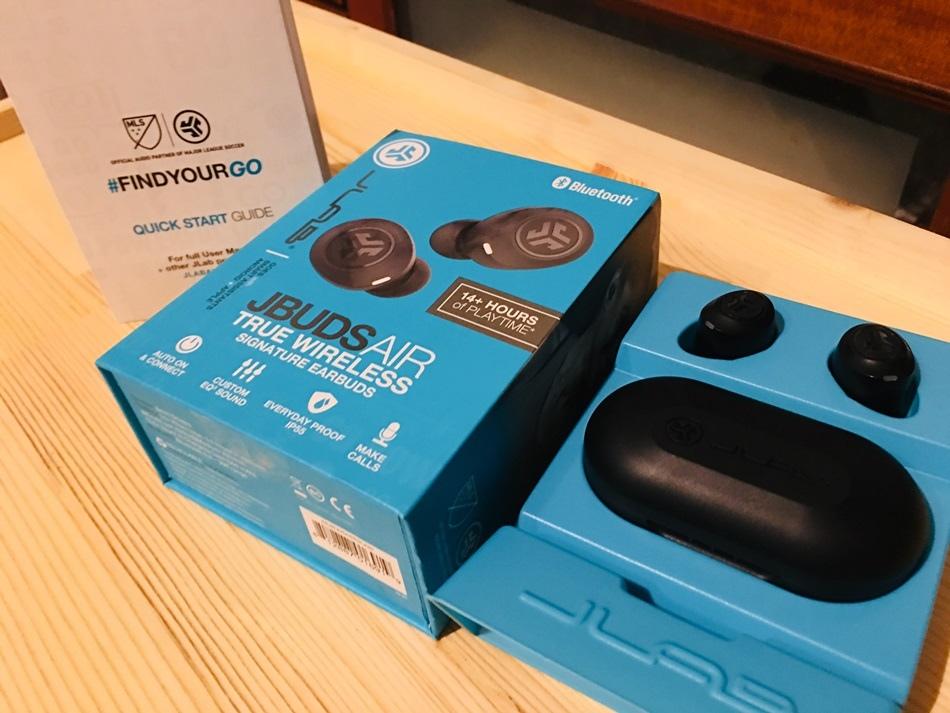 3C藍芽耳機開箱推薦-2019最佳真無線耳機JLab JBuds Air真無線藍牙耳機真無線藍牙耳機,igogosport最新藍牙5.0規格,收訊穩定快速,看影片不延遲!高強度IP55防水,不怕運動汗流!