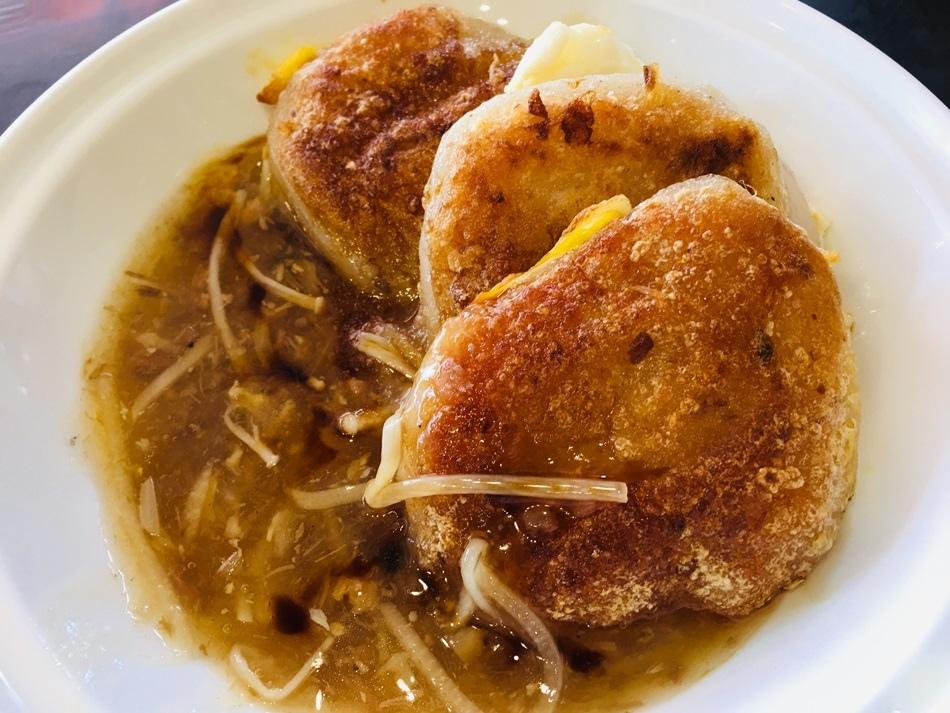 台南美食-推薦保安路古早味阿文米粿豬油拌飯糖心熔岩滑入道香噴噴豬油拌飯