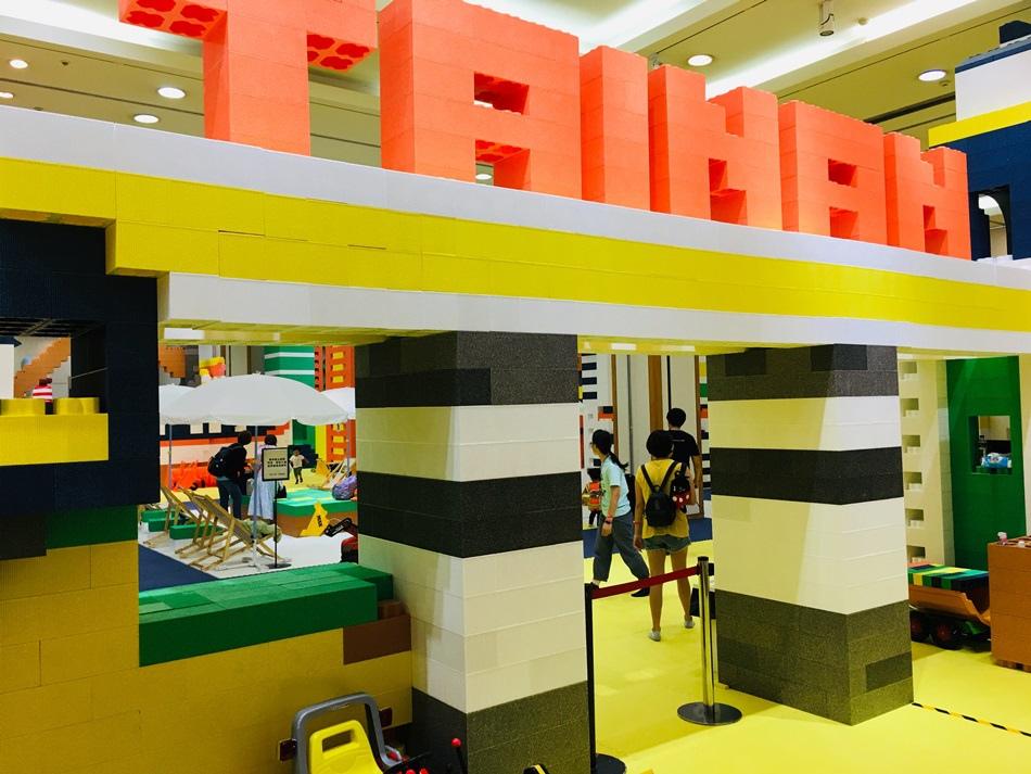 台南親子小小建築師kid%5Cs建築樂園新光三越台南中山店環保材料EPP積木建造白礦砂