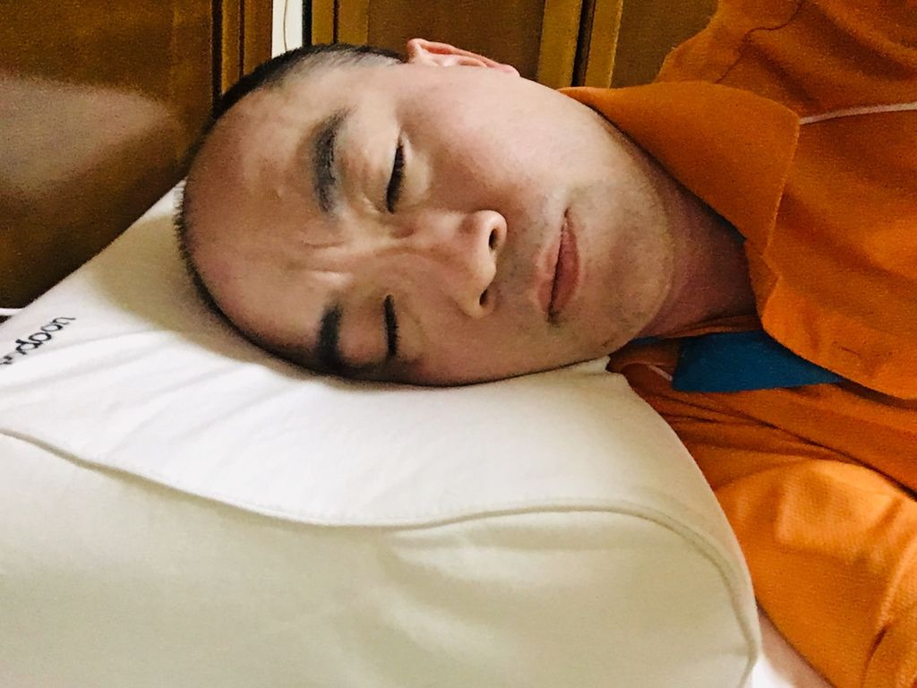 會自己呼吸的枕頭推薦Podoon智能調整紓壓枕怎麼睡都舒服的枕頭肩頸放輕鬆一覺到天亮