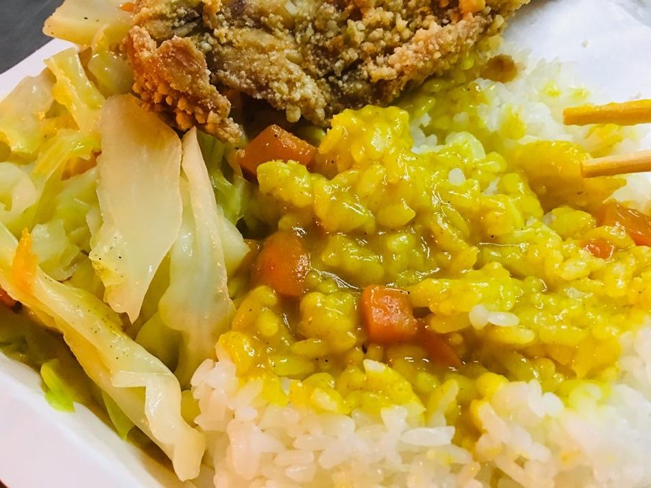 台南美食阿伯快餐台南大學美食古早味雞排美味超好吃
