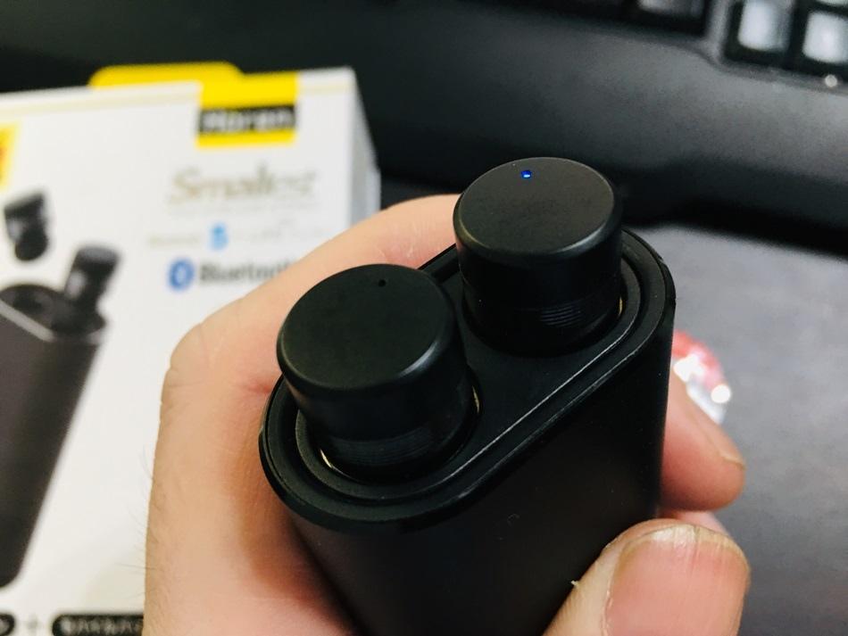 HOREN P1T真無線藍牙耳機快速充電左右耳可獨立使用藍牙5.0觸控式按鍵採用耳道式設計,可有效阻隔環境噪音