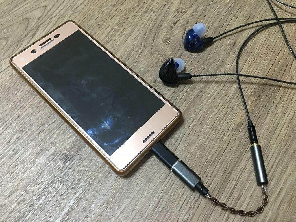 匠人精製可換線式入耳式耳機BGVP SGZ-DN1S圈鐵混合式也沒有底噪,聲音很好,可換線耳機取代原廠耳機,中階機性價極高得到更加音質的好選擇