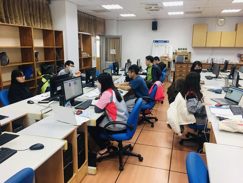 台南職訓培養最新第二第三專長課程符合未來職業潮流,國際級認證師資與國家及設備,訓練費用全免