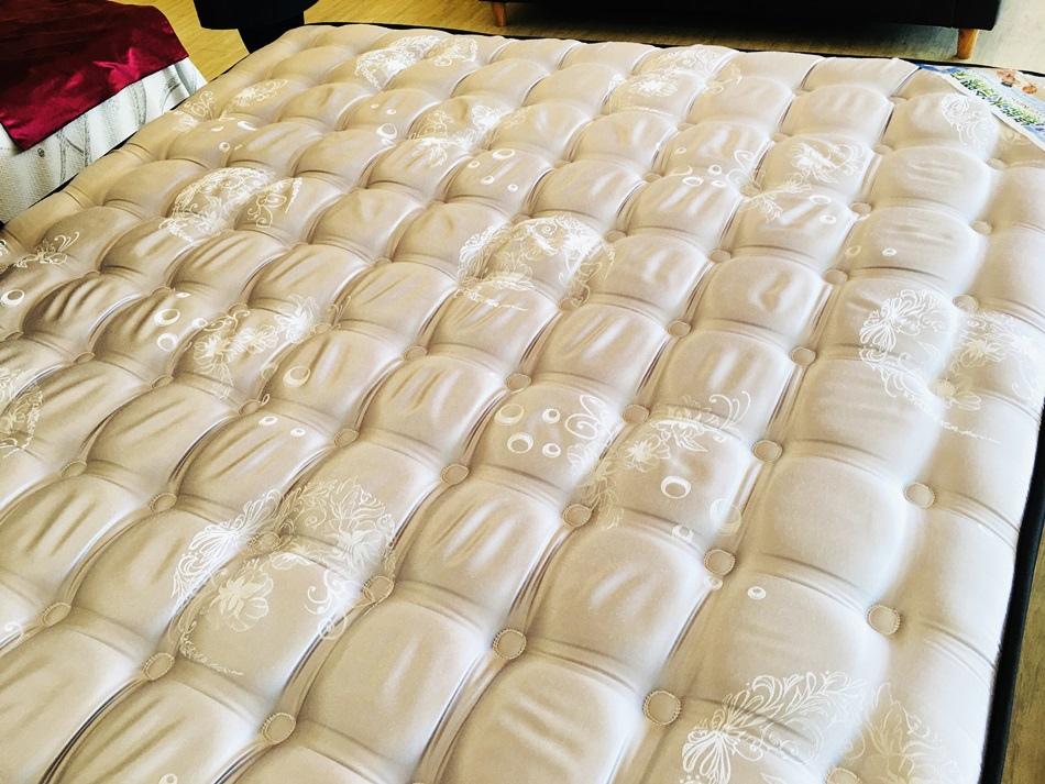 高雄床墊屏東床工場就是這張床墊讓我好一夜好睡買台灣製造好床就到屏東床工場直營商採用中鋼無輻射鋼材長期為各大旅館飯店生產最高品質