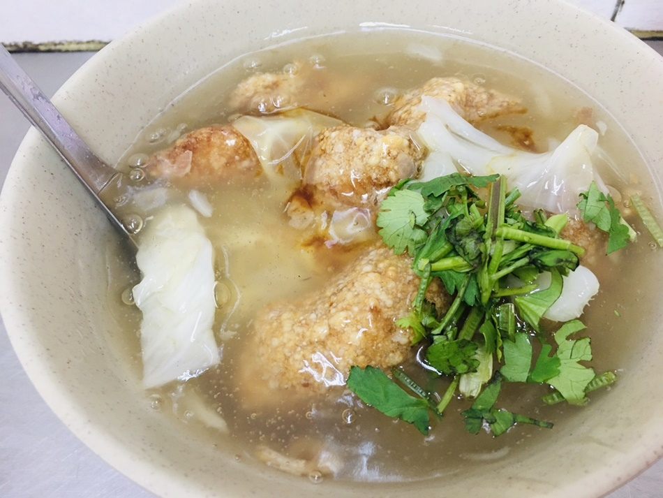 台南美食陳記真正紅燒土魠外酥內鬆嫩的土魠魚一吃就愛上!