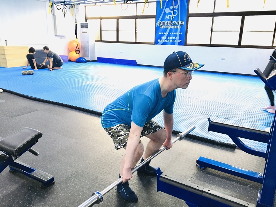 分享台南健身教練推薦│CA運動工作室私人一對一健身教練個別指導CC女教練與AMY女教練量身打造全新的好身材