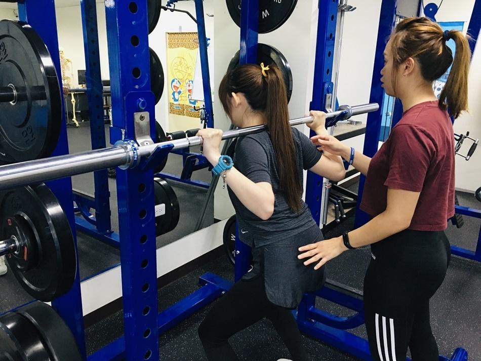 台南私人健身教練推薦│CA體能工作室專業女健身教練指導您也能擁有玲瓏有緻好身材,第八堂課