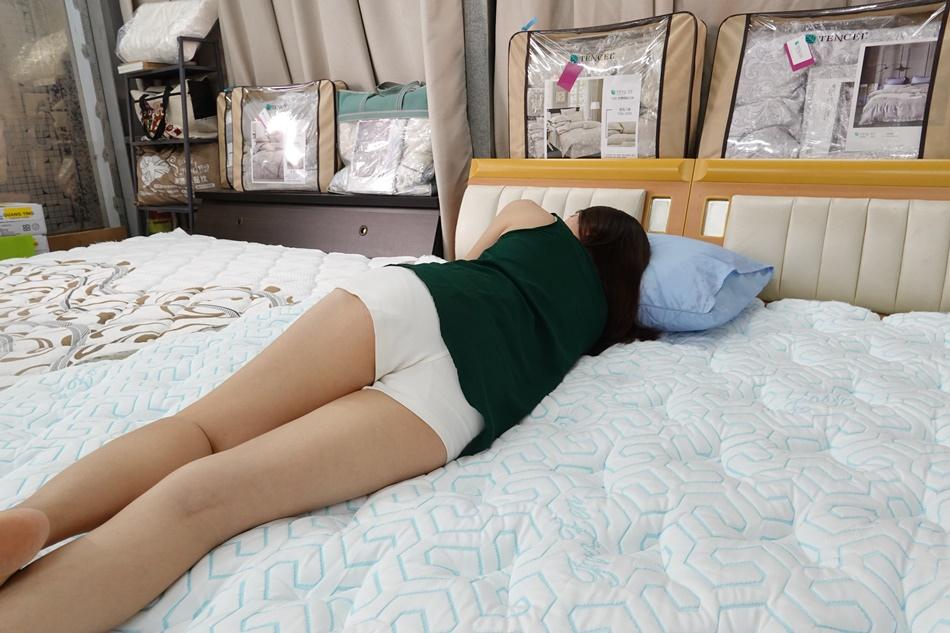 高雄床墊推薦│舒柔名床母親節特惠日本進口100%涼感紗,讓母親睡得更舒服100%專屬客製化設計高雄量身訂製床墊推薦