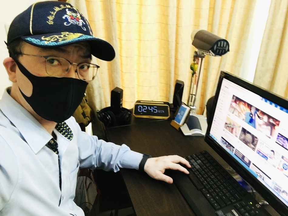 防疫布口罩│WIWI遠紅外線3D防護口罩可替換靜電濾層不織布一體成型耳帶防護無縫接軌,耐用不易斷裂0.83遠紅外線放射率,全時釋放保健能量