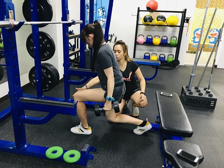 分享台南健身房CA體能工作室透過有系統的一對一教練訓練讓我在短短2個月體脂肪降了30%--第十九堂
