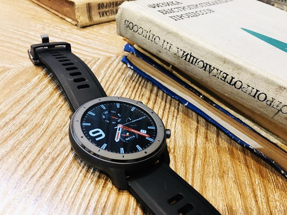 小米手錶推薦Amazfit華米米動GTR 47mm Lite陶瓷運動心率智能手錶大畫面卻有四周超狂電力續航低調百搭又具豐富內涵