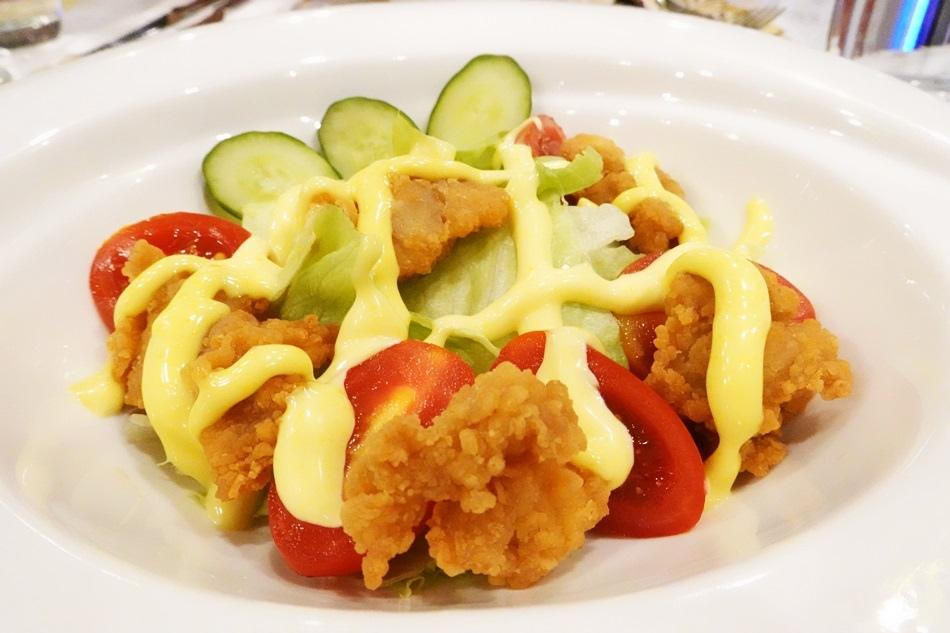 台南推薦阿根廷餐廳格萊姆餐酒館Glamor Bistro將阿根廷的美味餐點帶回台灣,食材嚴格挑選,醬料自己燉煮,給客人吃到最安心的餐點