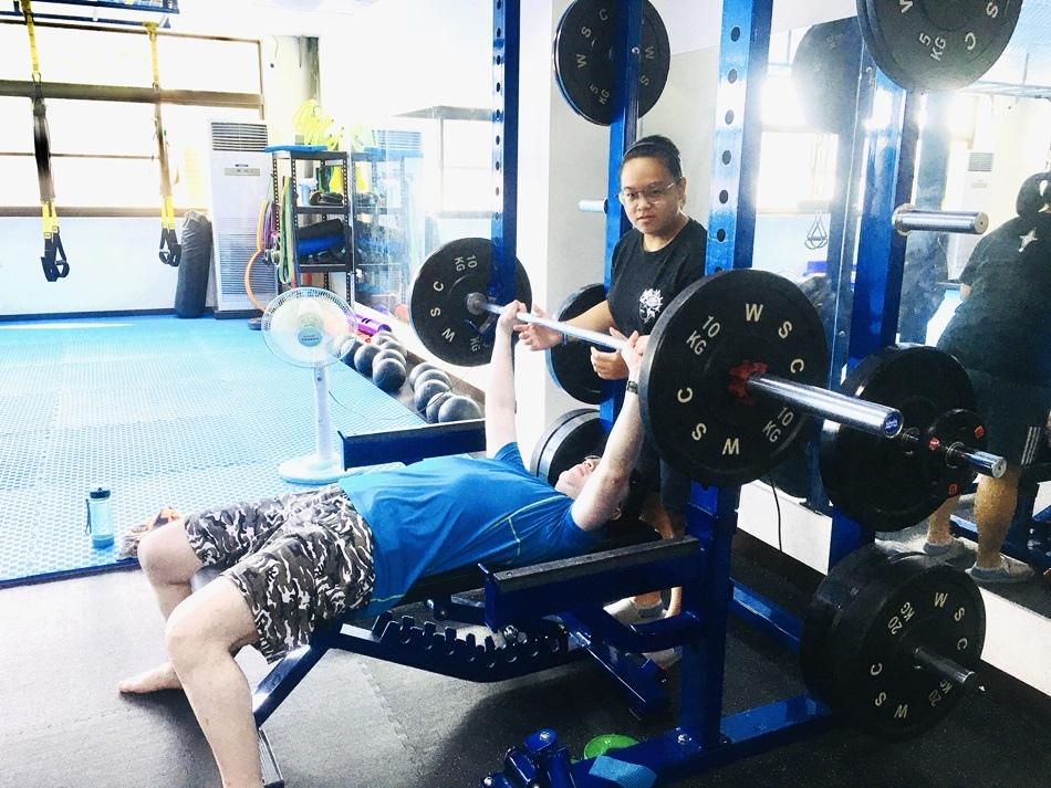台南健身房推薦│CA體能工作室,最棒最優質的女健身教練,已計畫的私人一對一訓練,讓您短時間達到您想要的體重目標-第25堂