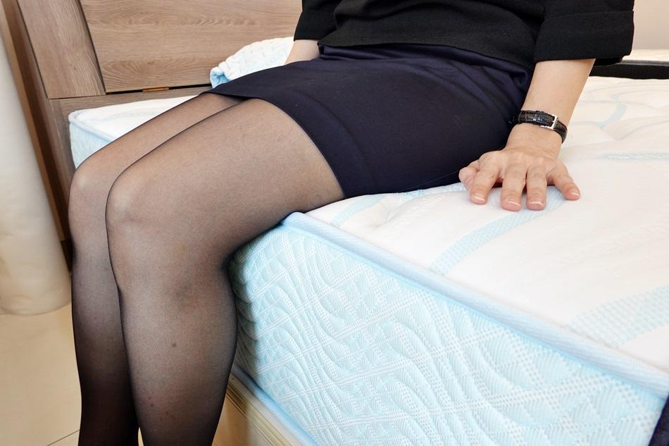 高雄床墊品牌床工廠生活館夏日振興加倍購,高雄巨蛋床墊旗艦店10月新開幕,特別推薦夏日抗暑必備極凍紗獨立筒床墊的好,用過就回不去了