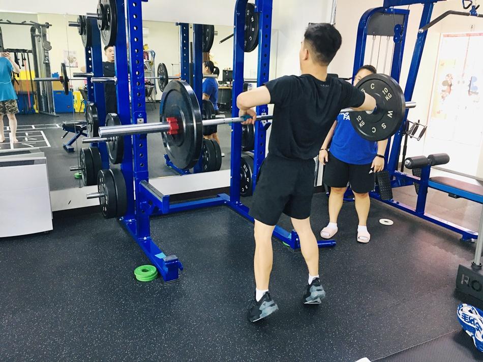 台南私人健身教練推薦│CA體能工作室個人專屬的一對一健身教練,產後減肥增肌減脂打造完美的身材
