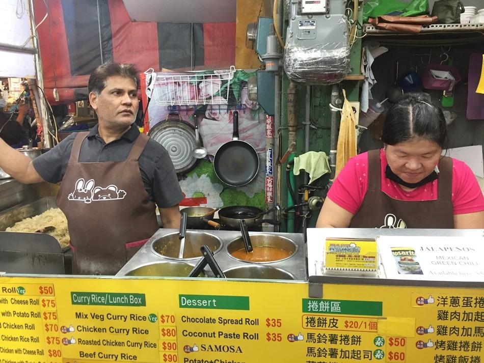 台南異國料理成大育樂街美食HALAL food穆斯林的店肉品都經過清真認證捲餅、咖哩飯,道地的印度料理