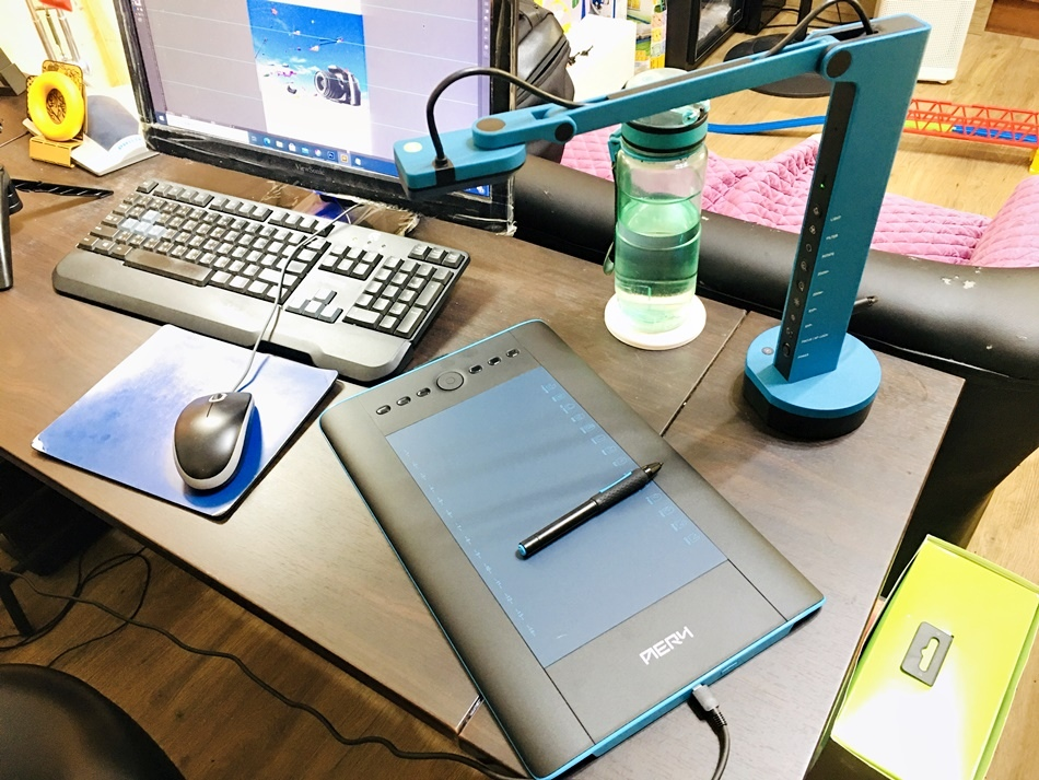 IMG_5791繪圖板推薦台灣品牌AERY十方機專業繪圖板,廣告設計科商業設計系學生插畫家最愛電繪板,感應與繪圖板面積都比進口優質,台灣製造