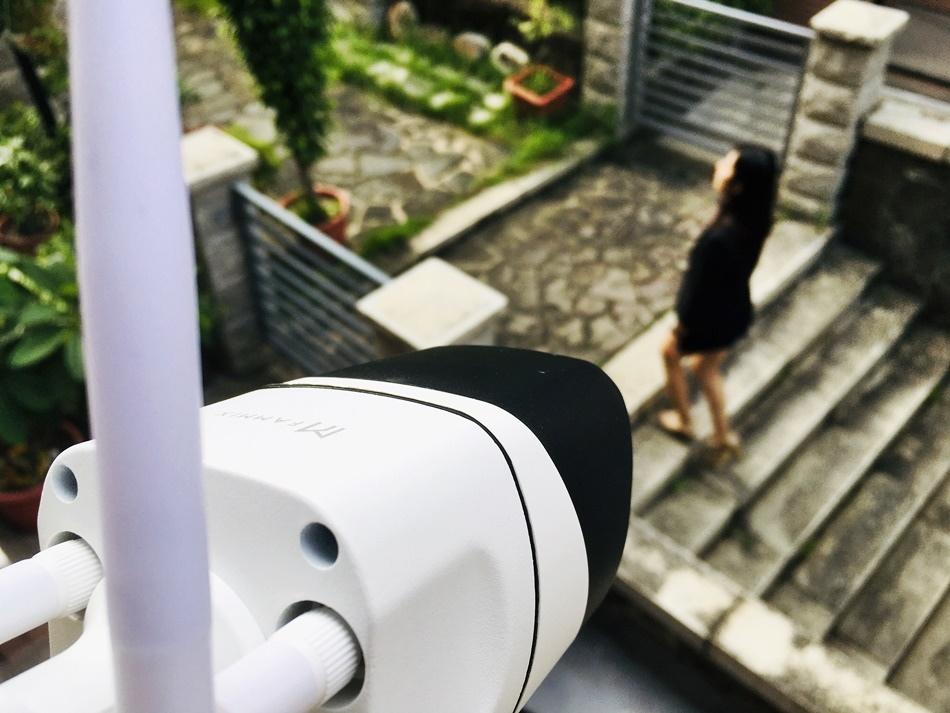 wifi監視器推薦│FAMMIX 菲米斯 D2 300萬畫素全彩WIFI攝影機監視器
