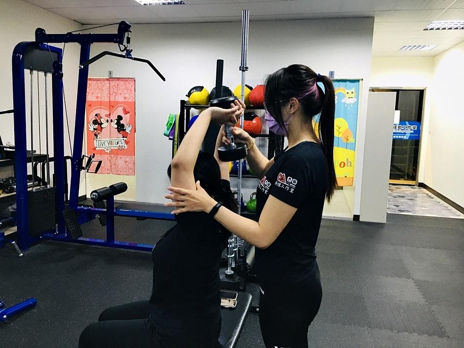 問台南有推薦的健身教練嗎? 台南健身教練課推薦!從超抗拒到愛上健身與重訓的過程!提供增重、雕塑、減脂、重量訓練等課程,並依程度及需求客製化最佳健身方案