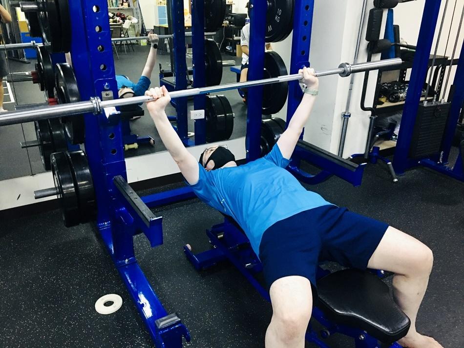 台南健身課程微笑健身私人教練