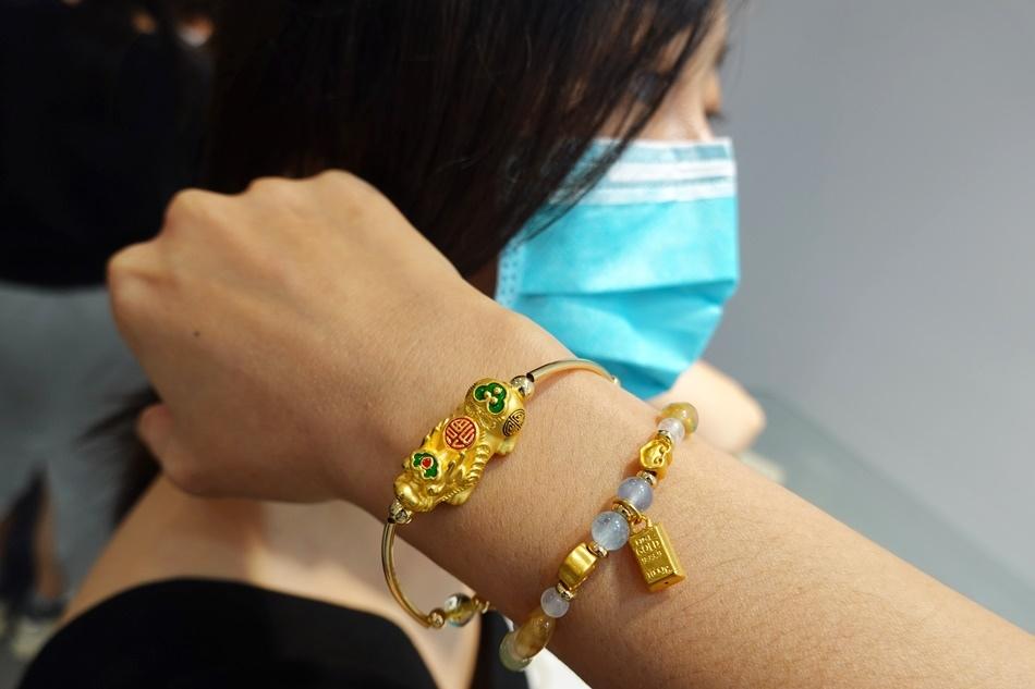 台南銀樓推薦木村貴金屬客製化彌月金飾、黃金k金回收、最新金價,金飾款式多樣時尚適合年輕族群