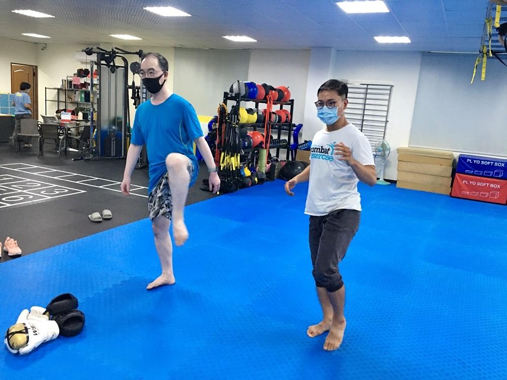 台南泰拳教學一對一訓練台南私人教練,有效高速燃脂運動減重減脂,增肌及線條雕塑