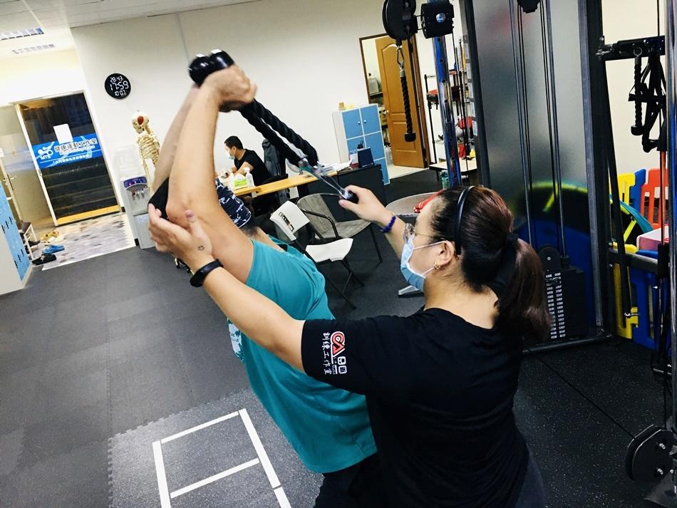 台南一對一健身教練推薦│有效率科學的健身運動是有效的,微笑健身讓您短時間內雕塑身材,增肌減脂,客製化一對一教練課推薦