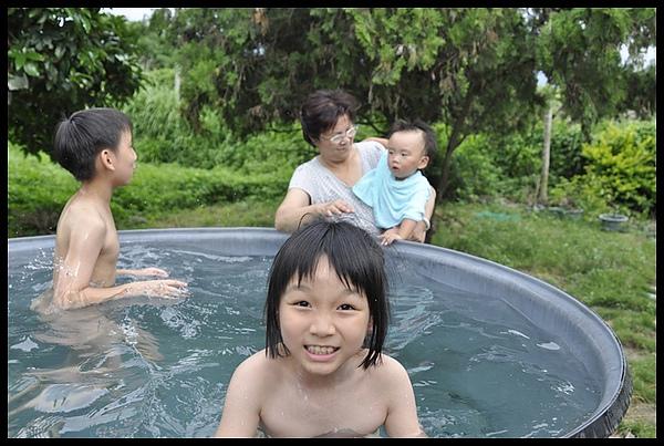 2010-07-08-嘉義戲水 075.JPG