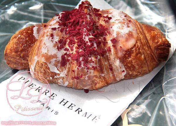 Croissant-Pierre-Herme-Ispahan