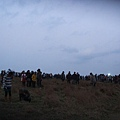 好多人在等2008第一道曙光 at 龍磐草原