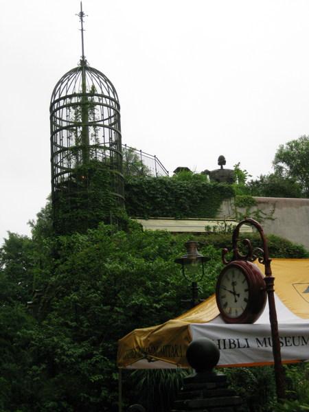 時鐘、鳥籠、機器人