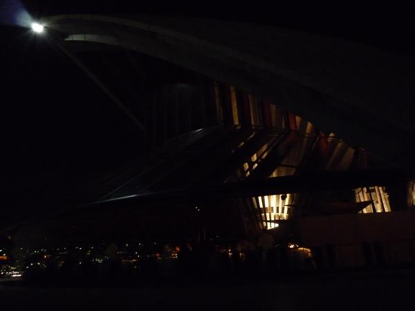 在Opera House裡面用餐粉貴吧.JPG
