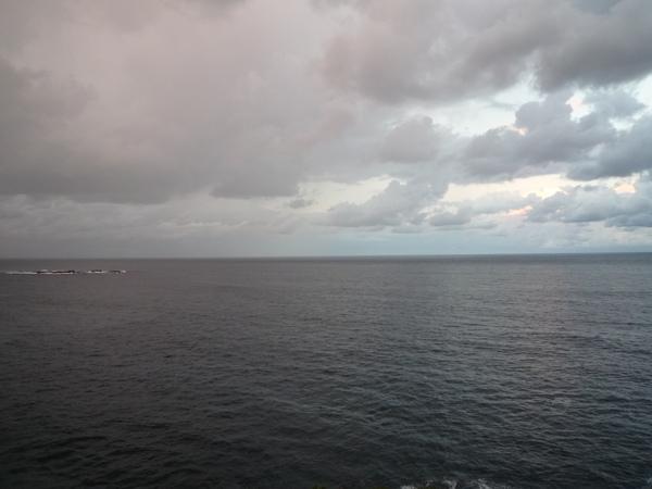 看著這片海景的代價是一億.....JPG