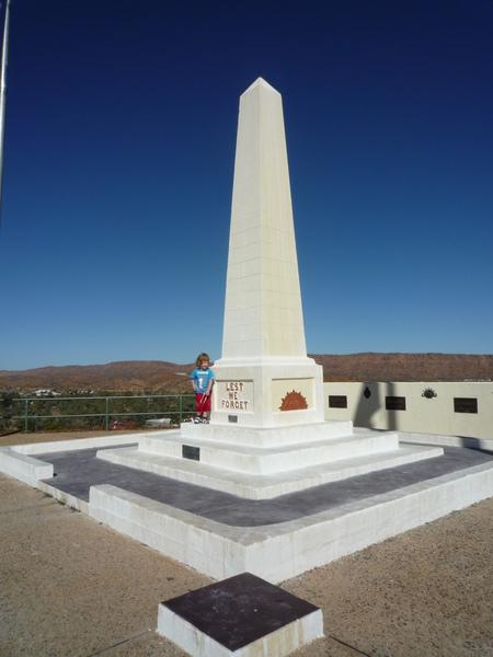 澳洲到處都有紀念碑.JPG