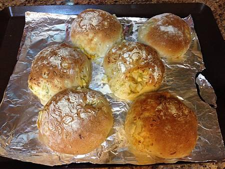 包心菜鹹蛋麵包