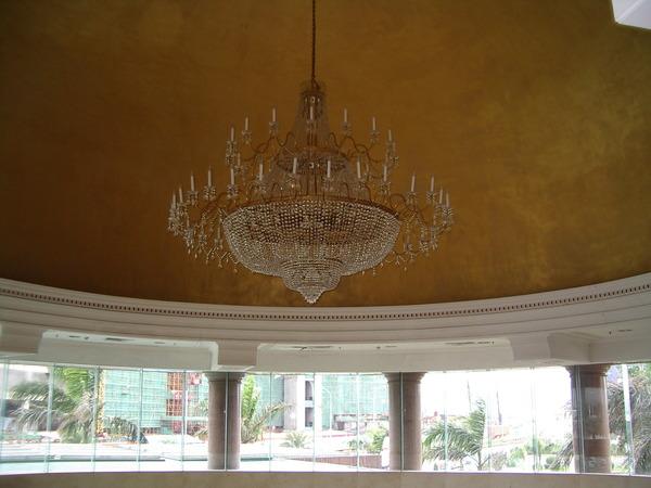 大廳的大吊燈