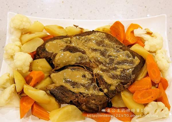 美式燉牛肉(烤箱版)-成品圖3