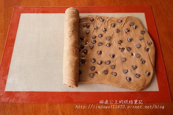 巧克力豆饅頭-捲起
