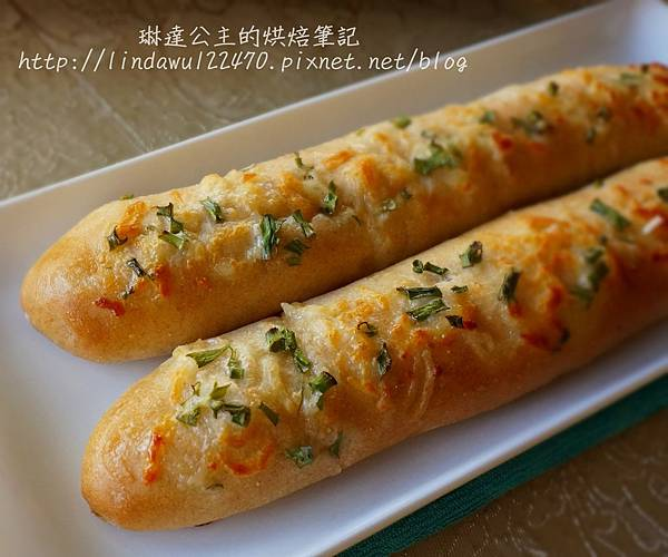 全麥起司香蔥麵包條-成品圖1