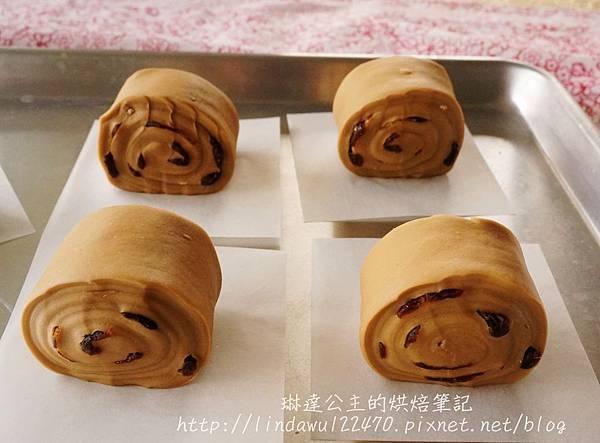 黑糖桂圓饅頭--發酵前