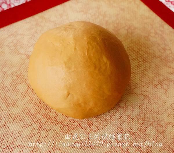 黑糖桂圓饅頭--攪拌完成