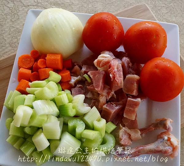 2014-12-13番茄蔬菜雞肉湯-材料