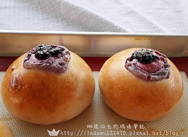 2014-12-28 藍莓乳酪起司麵包1