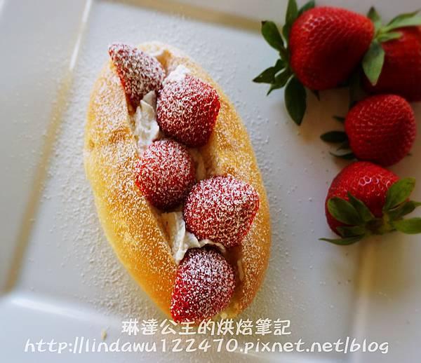 草莓鮮奶油麵包12
