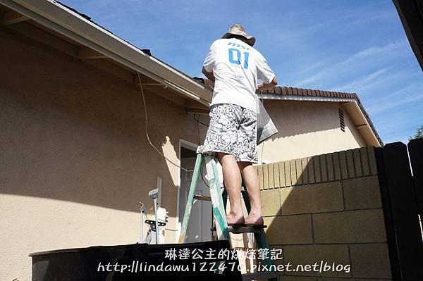 陳德松修屋頂