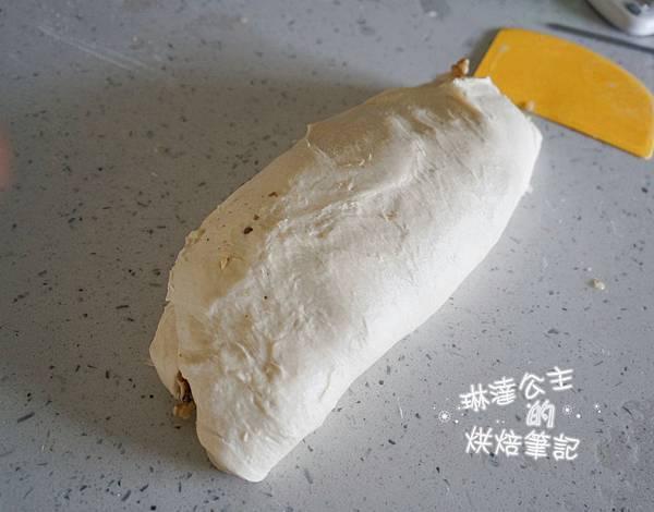 核桃葡萄麵包 3