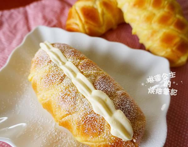 卡士達鮮奶油麵包 8